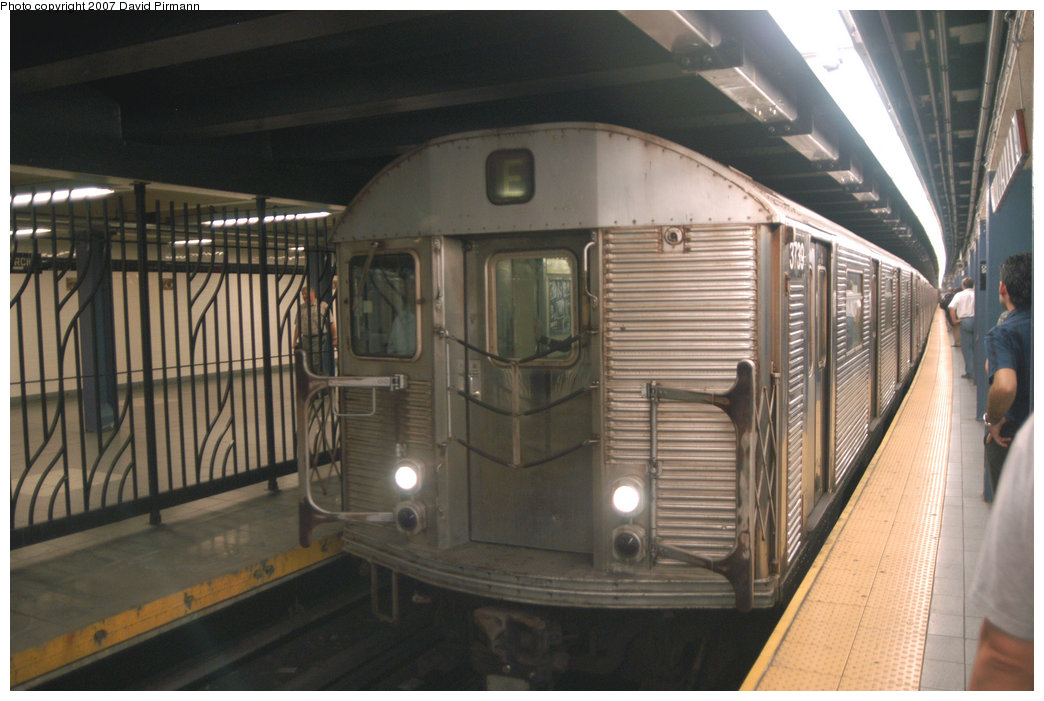 (197k, 1044x701)<br><b>Country:</b> United States<br><b>City:</b> New York<br><b>System:</b> New York City Transit<br><b>Line:</b> IND 8th Avenue Line<br><b>Location:</b> Chambers Street/World Trade Center <br><b>Route:</b> A<br><b>Car:</b> R-32 (Budd, 1964)  3739 <br><b>Photo by:</b> David Pirmann<br><b>Date:</b> 9/10/2007<br><b>Viewed (this week/total):</b> 1 / 2101