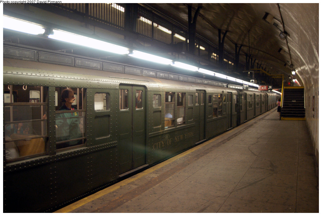 (184k, 1044x701)<br><b>Country:</b> United States<br><b>City:</b> New York<br><b>System:</b> New York City Transit<br><b>Line:</b> IND 8th Avenue Line<br><b>Location:</b> 181st Street <br><b>Route:</b> Fan Trip<br><b>Car:</b> R-1 (American Car & Foundry, 1930-1931) 100 <br><b>Photo by:</b> David Pirmann<br><b>Date:</b> 9/10/2007<br><b>Notes:</b> Train in regular service for the 75th Anniversary of the opening of the A line (technically not a fantrip).<br><b>Viewed (this week/total):</b> 2 / 1988