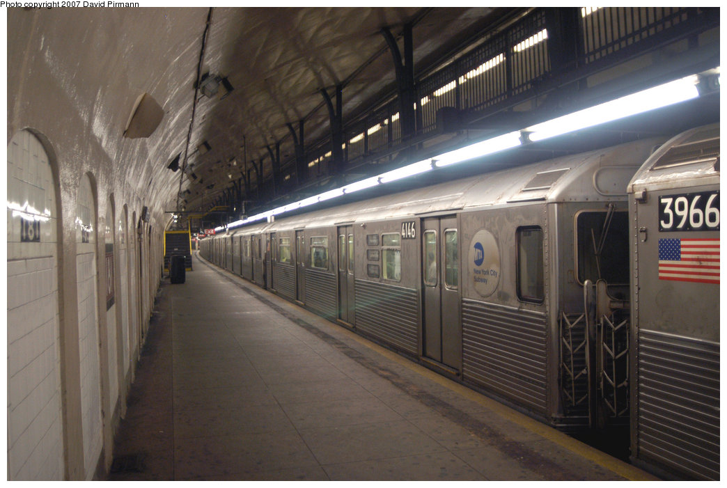 (194k, 1044x701)<br><b>Country:</b> United States<br><b>City:</b> New York<br><b>System:</b> New York City Transit<br><b>Line:</b> IND 8th Avenue Line<br><b>Location:</b> 181st Street <br><b>Route:</b> A<br><b>Car:</b> R-38 (St. Louis, 1966-1967)  4146 <br><b>Photo by:</b> David Pirmann<br><b>Date:</b> 9/10/2007<br><b>Viewed (this week/total):</b> 0 / 2600