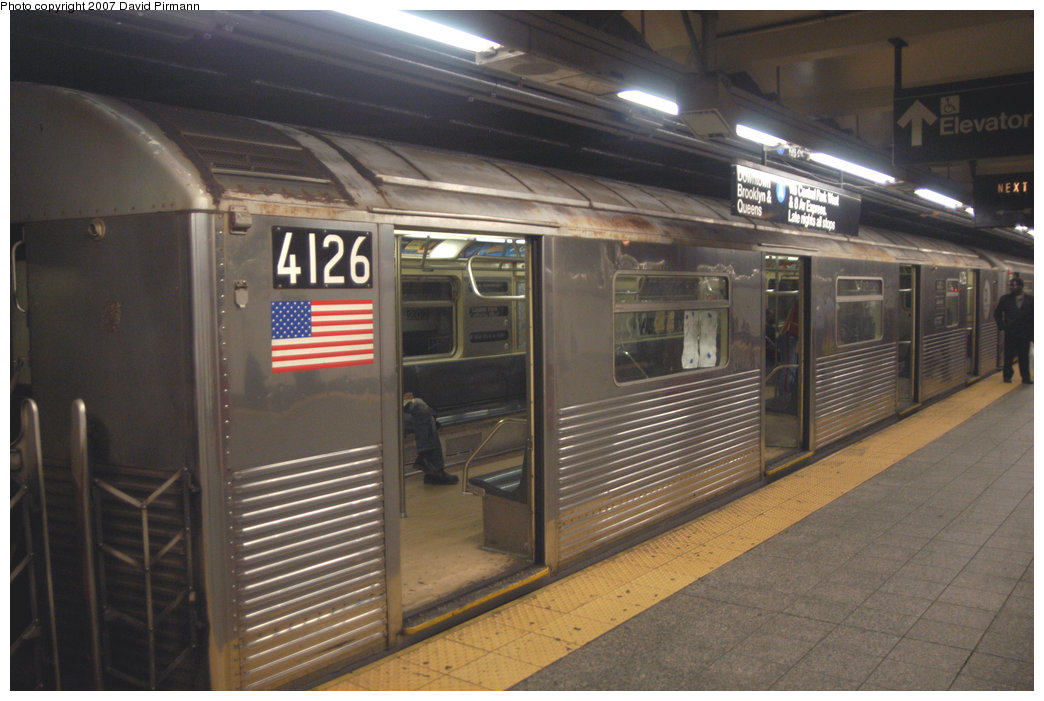 (197k, 1044x701)<br><b>Country:</b> United States<br><b>City:</b> New York<br><b>System:</b> New York City Transit<br><b>Line:</b> IND 8th Avenue Line<br><b>Location:</b> 207th Street <br><b>Route:</b> A<br><b>Car:</b> R-38 (St. Louis, 1966-1967)  4126 <br><b>Photo by:</b> David Pirmann<br><b>Date:</b> 9/10/2007<br><b>Viewed (this week/total):</b> 2 / 1873