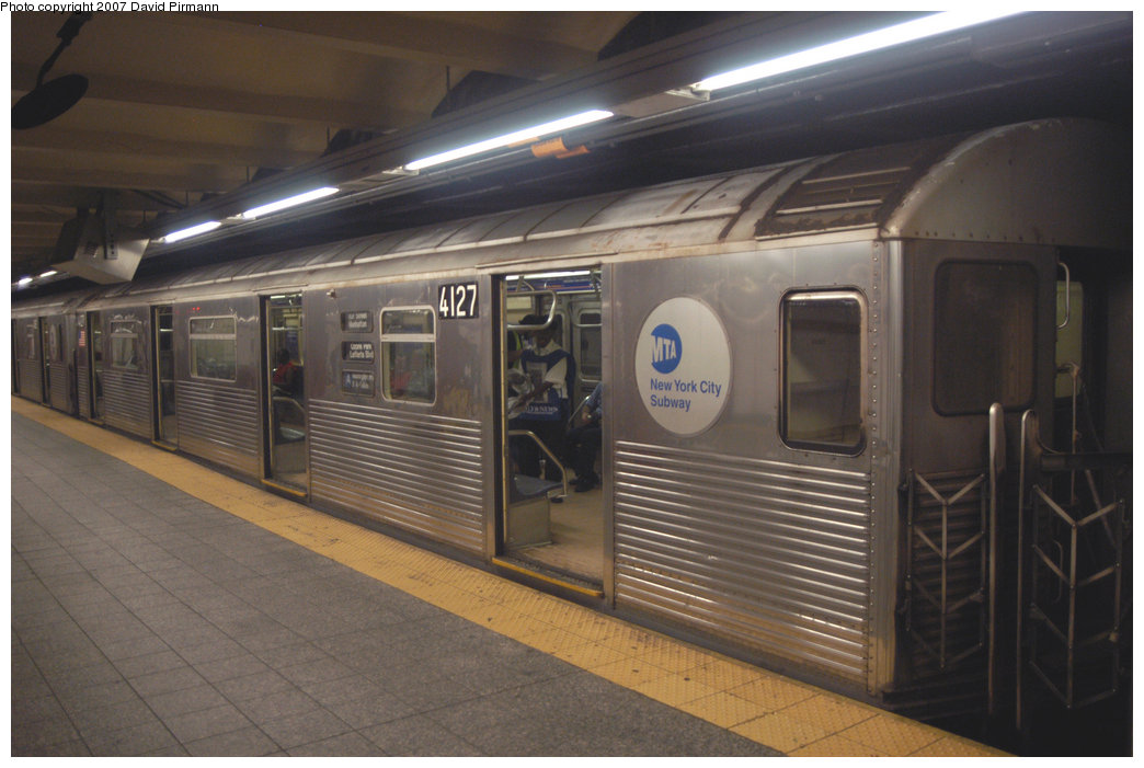 (181k, 1044x701)<br><b>Country:</b> United States<br><b>City:</b> New York<br><b>System:</b> New York City Transit<br><b>Line:</b> IND 8th Avenue Line<br><b>Location:</b> 207th Street <br><b>Route:</b> A<br><b>Car:</b> R-38 (St. Louis, 1966-1967)  4127 <br><b>Photo by:</b> David Pirmann<br><b>Date:</b> 9/10/2007<br><b>Viewed (this week/total):</b> 0 / 1047