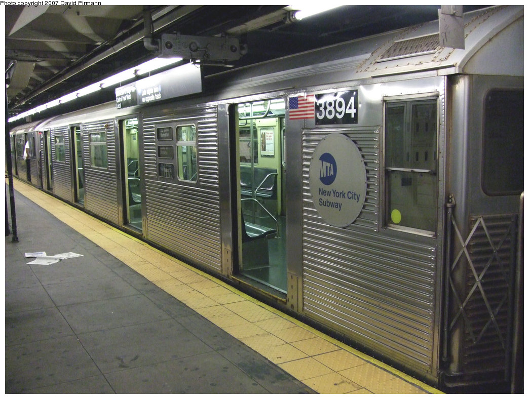(251k, 1044x788)<br><b>Country:</b> United States<br><b>City:</b> New York<br><b>System:</b> New York City Transit<br><b>Line:</b> IND 8th Avenue Line<br><b>Location:</b> 168th Street <br><b>Route:</b> C<br><b>Car:</b> R-32 (Budd, 1964)  3894 <br><b>Photo by:</b> David Pirmann<br><b>Date:</b> 9/10/2007<br><b>Viewed (this week/total):</b> 1 / 1835