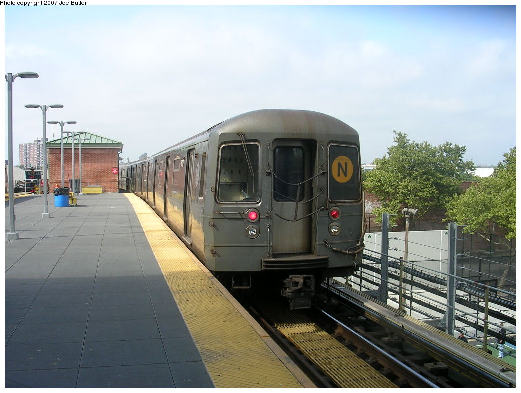 (200k, 1044x788)<br><b>Country:</b> United States<br><b>City:</b> New York<br><b>System:</b> New York City Transit<br><b>Location:</b> Coney Island/Stillwell Avenue<br><b>Route:</b> N<br><b>Car:</b> R-68A (Kawasaki, 1988-1989)  5122 <br><b>Photo by:</b> Joe Butler<br><b>Date:</b> 8/23/2007<br><b>Viewed (this week/total):</b> 0 / 940