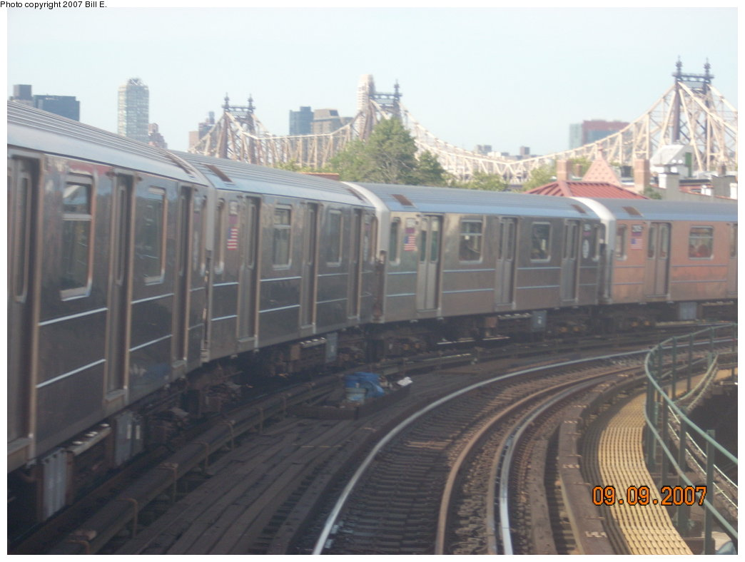 (158k, 1044x788)<br><b>Country:</b> United States<br><b>City:</b> New York<br><b>System:</b> New York City Transit<br><b>Line:</b> IRT Flushing Line<br><b>Location:</b> Court House Square/45th Road <br><b>Route:</b> 7<br><b>Car:</b> R-62A (Bombardier, 1984-1987)  1992 <br><b>Photo by:</b> Bill E.<br><b>Date:</b> 9/9/2007<br><b>Viewed (this week/total):</b> 0 / 1010