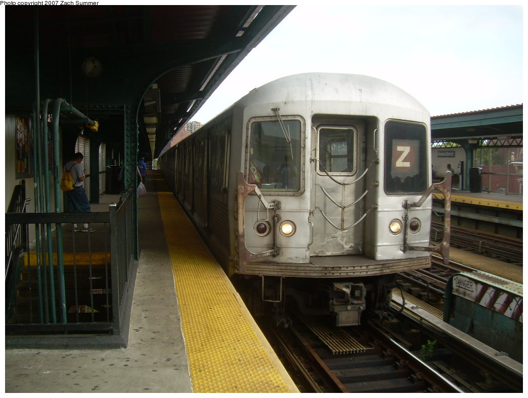 (186k, 1044x788)<br><b>Country:</b> United States<br><b>City:</b> New York<br><b>System:</b> New York City Transit<br><b>Line:</b> BMT Nassau Street/Jamaica Line<br><b>Location:</b> Hewes Street <br><b>Route:</b> Z<br><b>Car:</b> R-42 (St. Louis, 1969-1970)  4738 <br><b>Photo by:</b> Zach Summer<br><b>Date:</b> 8/28/2007<br><b>Viewed (this week/total):</b> 1 / 869