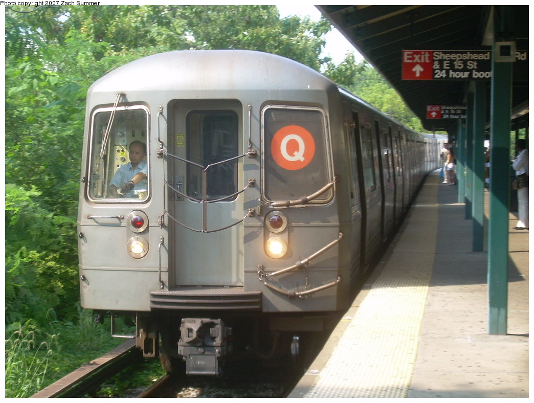 (205k, 1044x788)<br><b>Country:</b> United States<br><b>City:</b> New York<br><b>System:</b> New York City Transit<br><b>Line:</b> BMT Brighton Line<br><b>Location:</b> Sheepshead Bay <br><b>Route:</b> Q<br><b>Car:</b> R-68A (Kawasaki, 1988-1989)   <br><b>Photo by:</b> Zach Summer<br><b>Date:</b> 8/30/2007<br><b>Viewed (this week/total):</b> 1 / 1796