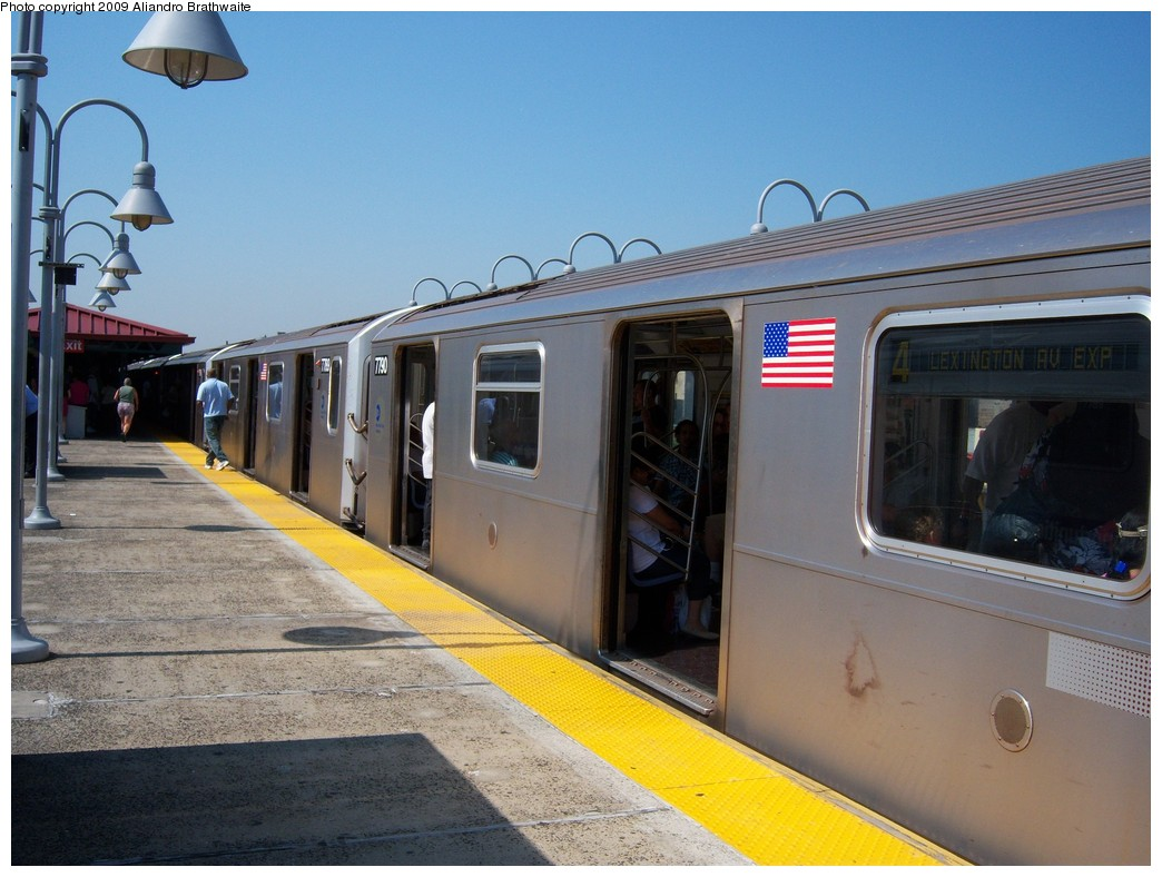 (219k, 1044x788)<br><b>Country:</b> United States<br><b>City:</b> New York<br><b>System:</b> New York City Transit<br><b>Line:</b> IRT Woodlawn Line<br><b>Location:</b> Burnside Avenue <br><b>Route:</b> 4<br><b>Car:</b> R-142A (Supplemental Order, Kawasaki, 2003-2004)  7790 <br><b>Photo by:</b> Aliandro Brathwaite<br><b>Date:</b> 8/18/2009<br><b>Viewed (this week/total):</b> 0 / 1416