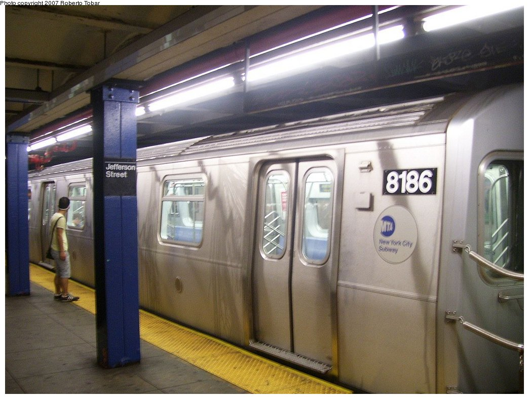 (167k, 1044x788)<br><b>Country:</b> United States<br><b>City:</b> New York<br><b>System:</b> New York City Transit<br><b>Line:</b> BMT Canarsie Line<br><b>Location:</b> Jefferson Street <br><b>Route:</b> L<br><b>Car:</b> R-143 (Kawasaki, 2001-2002) 8186 <br><b>Photo by:</b> Roberto C. Tobar<br><b>Date:</b> 9/8/2007<br><b>Viewed (this week/total):</b> 4 / 2675