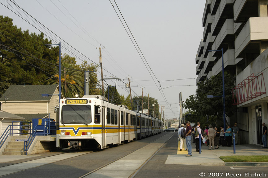 (183k, 864x574)<br><b>Country:</b> United States<br><b>City:</b> Sacramento, CA<br><b>System:</b> SACRT Light Rail<br><b>Location:</b> 16th Street <br><b>Car:</b> Sacramento Siemens LRV  120 <br><b>Photo by:</b> Peter Ehrlich<br><b>Date:</b> 9/5/2007<br><b>Notes:</b> 16th Street Station inbound.<br><b>Viewed (this week/total):</b> 0 / 556