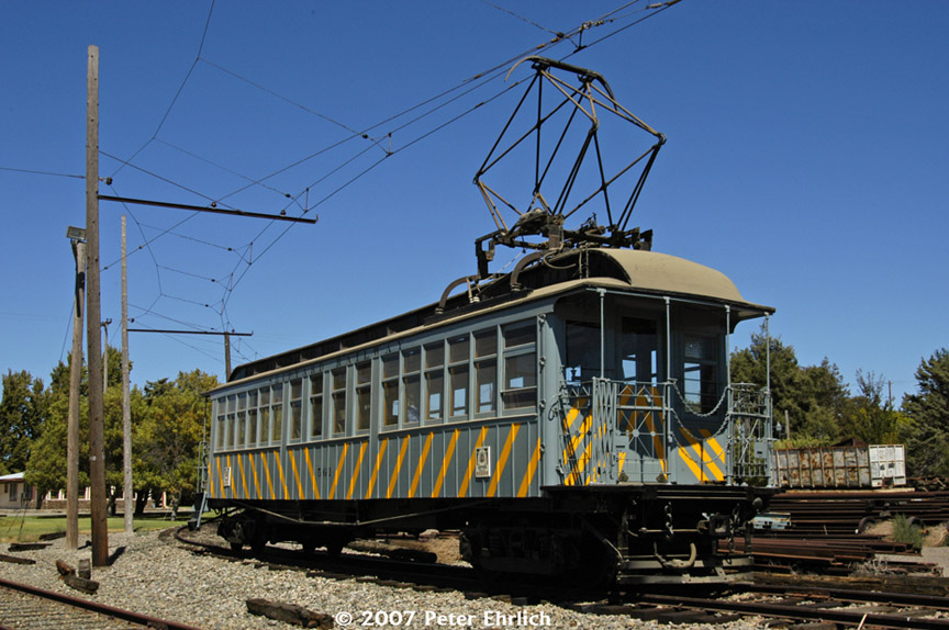 (198k, 864x574)<br><b>Country:</b> United States<br><b>City:</b> Rio Vista Junction, CA<br><b>System:</b> Western Railway Museum <br><b>Car:</b>  561 <br><b>Photo by:</b> Peter Ehrlich<br><b>Date:</b> 9/2/2007<br><b>Notes:</b> Shipyard Railway 561 (ex Manhattan El 844).  Main Line Junction, where tracks continue northward.<br><b>Viewed (this week/total):</b> 2 / 1287