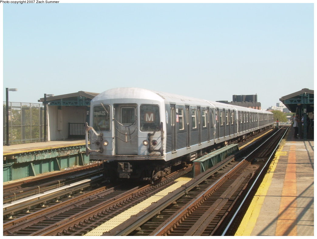 (193k, 1044x788)<br><b>Country:</b> United States<br><b>City:</b> New York<br><b>System:</b> New York City Transit<br><b>Line:</b> BMT West End Line<br><b>Location:</b> 25th Avenue <br><b>Route:</b> M<br><b>Car:</b> R-42 (St. Louis, 1969-1970)  4860 <br><b>Photo by:</b> Zach Summer<br><b>Date:</b> 9/4/2007<br><b>Viewed (this week/total):</b> 5 / 1292