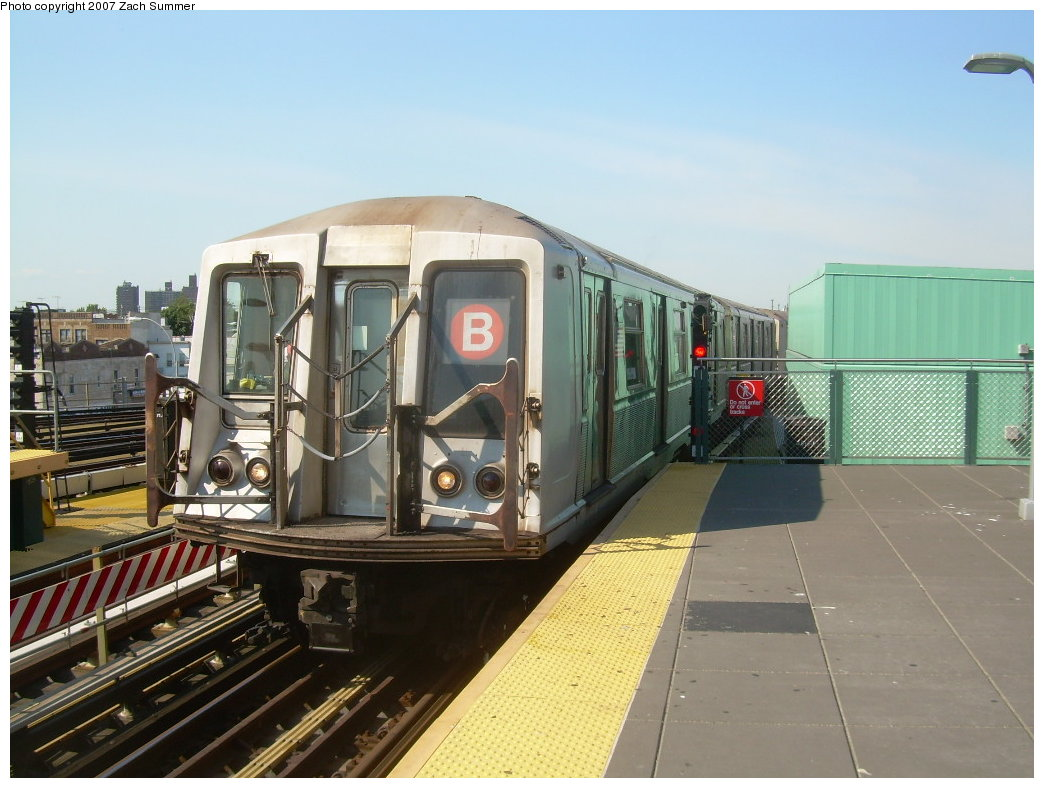 (195k, 1044x788)<br><b>Country:</b> United States<br><b>City:</b> New York<br><b>System:</b> New York City Transit<br><b>Location:</b> Coney Island/Stillwell Avenue<br><b>Route:</b> B<br><b>Car:</b> R-40 (St. Louis, 1968)  4167 <br><b>Photo by:</b> Zach Summer<br><b>Date:</b> 9/4/2007<br><b>Viewed (this week/total):</b> 0 / 1233