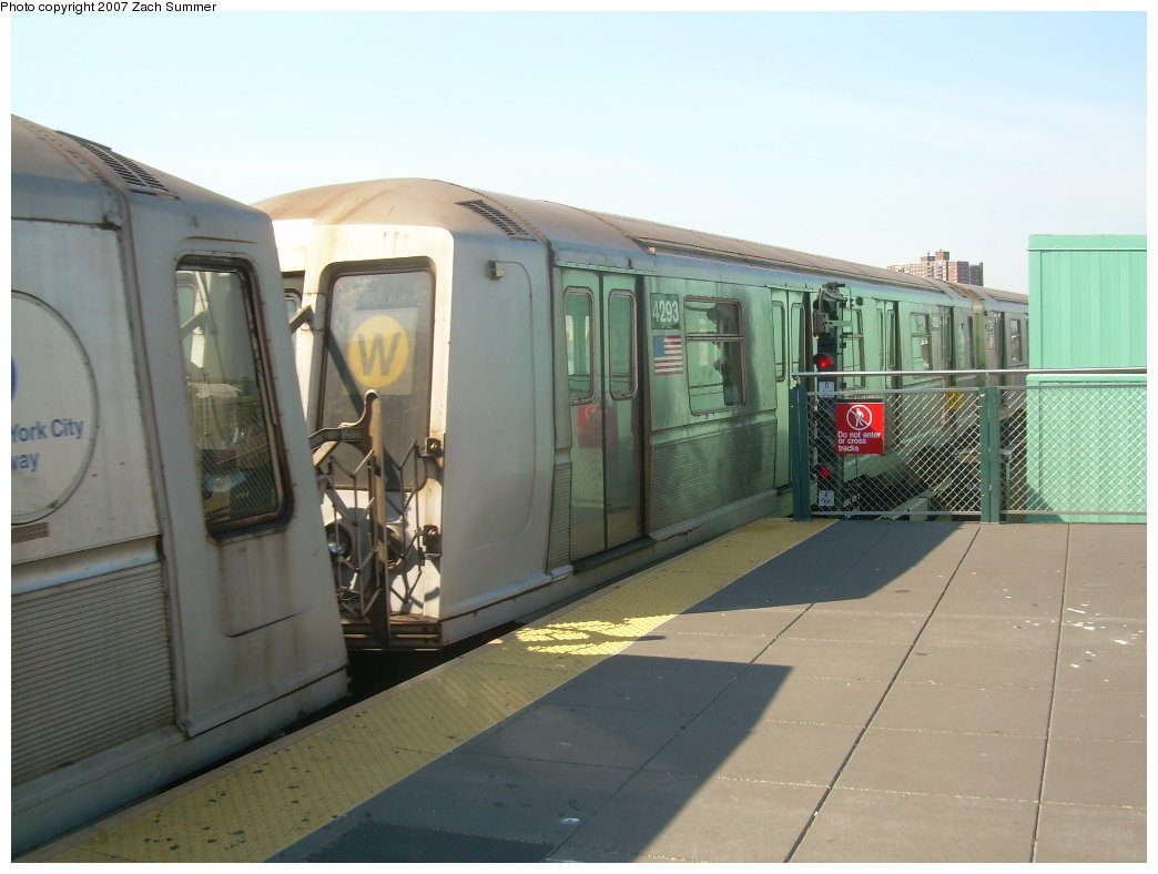 (169k, 1044x788)<br><b>Country:</b> United States<br><b>City:</b> New York<br><b>System:</b> New York City Transit<br><b>Location:</b> Coney Island/Stillwell Avenue<br><b>Route:</b> B<br><b>Car:</b> R-40 (St. Louis, 1968)  4293 <br><b>Photo by:</b> Zach Summer<br><b>Date:</b> 9/4/2007<br><b>Viewed (this week/total):</b> 0 / 1398