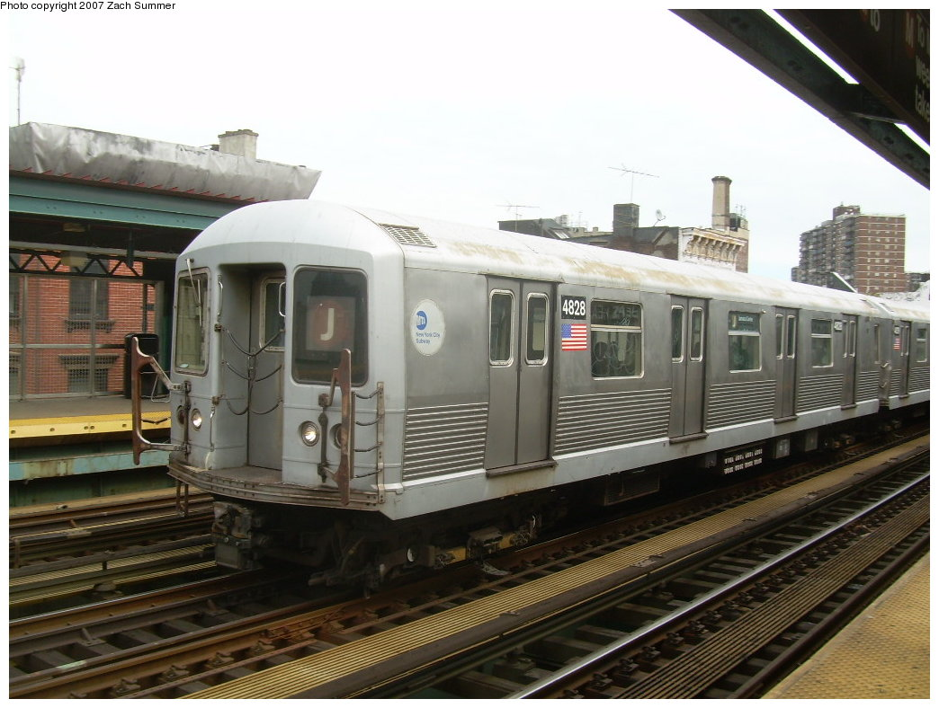 (200k, 1044x788)<br><b>Country:</b> United States<br><b>City:</b> New York<br><b>System:</b> New York City Transit<br><b>Line:</b> BMT Nassau Street/Jamaica Line<br><b>Location:</b> Hewes Street <br><b>Route:</b> J<br><b>Car:</b> R-42 (St. Louis, 1969-1970)  4828 <br><b>Photo by:</b> Zach Summer<br><b>Date:</b> 9/5/2007<br><b>Viewed (this week/total):</b> 0 / 1348