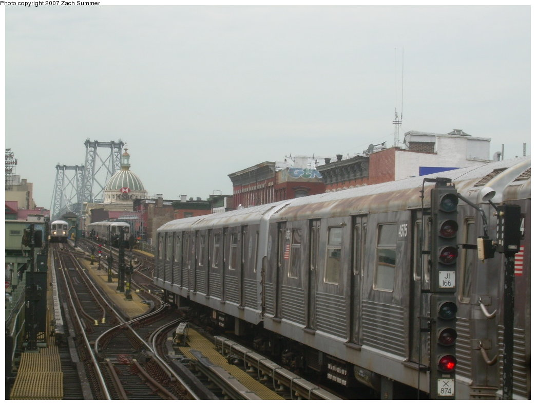 (165k, 1044x788)<br><b>Country:</b> United States<br><b>City:</b> New York<br><b>System:</b> New York City Transit<br><b>Line:</b> BMT Nassau Street/Jamaica Line<br><b>Location:</b> Hewes Street <br><b>Route:</b> J<br><b>Car:</b> R-42 (St. Louis, 1969-1970)  4575 <br><b>Photo by:</b> Zach Summer<br><b>Date:</b> 9/5/2007<br><b>Viewed (this week/total):</b> 1 / 1132
