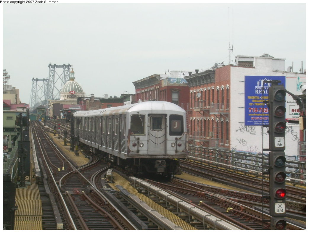 (201k, 1044x788)<br><b>Country:</b> United States<br><b>City:</b> New York<br><b>System:</b> New York City Transit<br><b>Line:</b> BMT Nassau Street/Jamaica Line<br><b>Location:</b> Hewes Street <br><b>Route:</b> J<br><b>Car:</b> R-42 (St. Louis, 1969-1970)   <br><b>Photo by:</b> Zach Summer<br><b>Date:</b> 9/5/2007<br><b>Viewed (this week/total):</b> 0 / 992