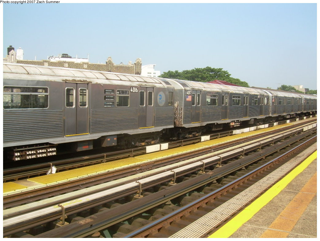 (232k, 1044x788)<br><b>Country:</b> United States<br><b>City:</b> New York<br><b>System:</b> New York City Transit<br><b>Line:</b> BMT West End Line<br><b>Location:</b> 50th Street <br><b>Route:</b> School car<br><b>Car:</b> R-38 (St. Louis, 1966-1967)  4016/4017 <br><b>Photo by:</b> Zach Summer<br><b>Date:</b> 9/7/2007<br><b>Viewed (this week/total):</b> 5 / 2084