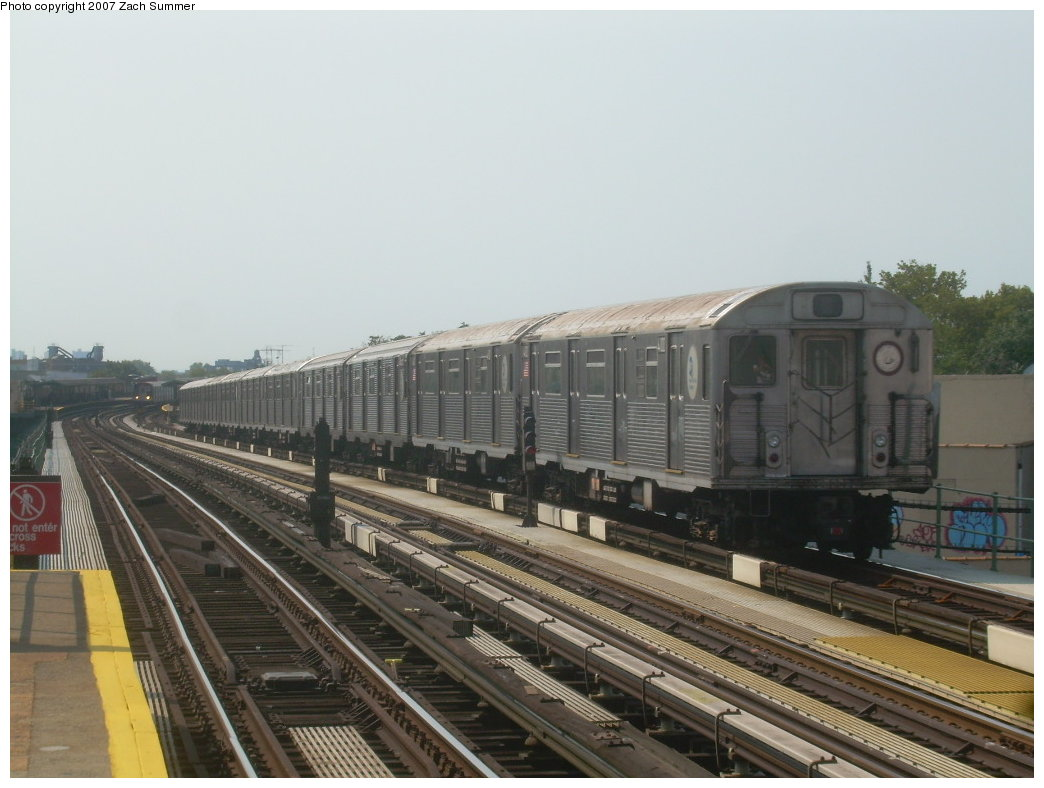 (178k, 1044x788)<br><b>Country:</b> United States<br><b>City:</b> New York<br><b>System:</b> New York City Transit<br><b>Line:</b> BMT West End Line<br><b>Location:</b> 50th Street <br><b>Route:</b> School car<br><b>Car:</b> R-38 (St. Louis, 1966-1967)  4100 <br><b>Photo by:</b> Zach Summer<br><b>Date:</b> 9/7/2007<br><b>Viewed (this week/total):</b> 2 / 1228