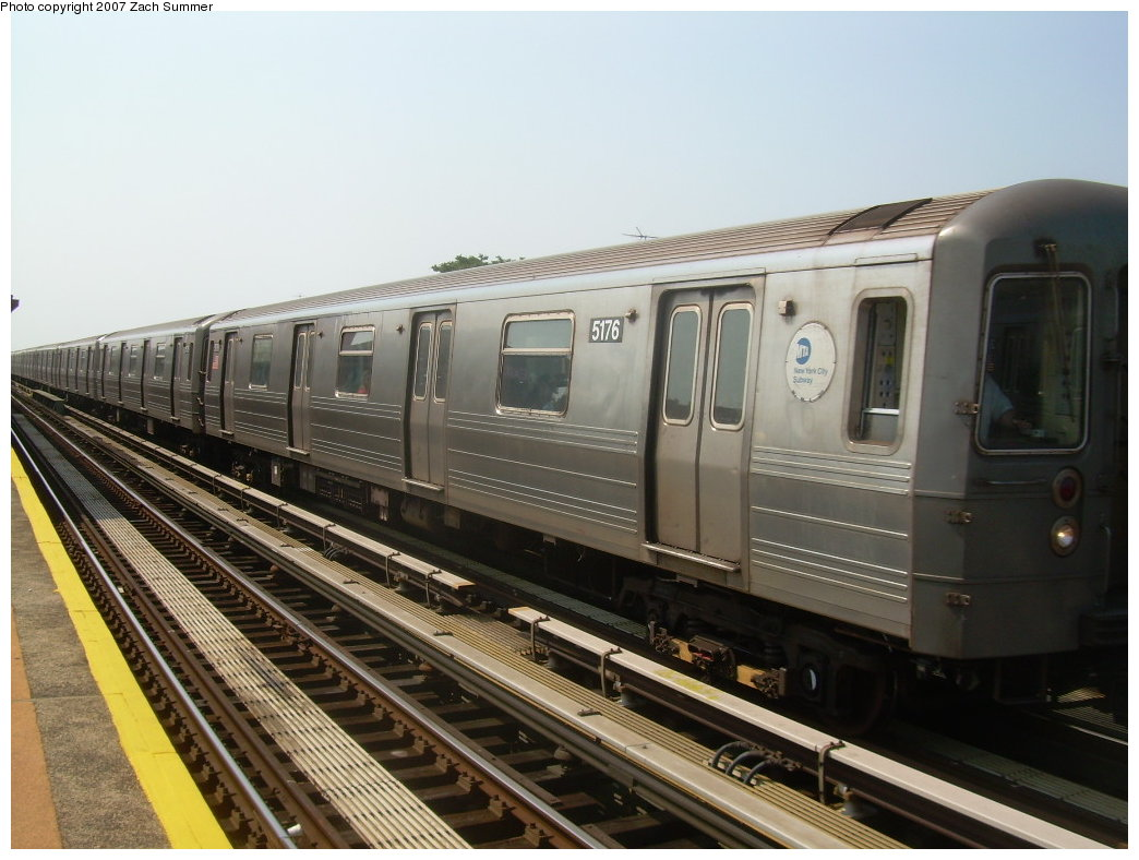 (193k, 1044x788)<br><b>Country:</b> United States<br><b>City:</b> New York<br><b>System:</b> New York City Transit<br><b>Line:</b> BMT West End Line<br><b>Location:</b> 50th Street <br><b>Route:</b> N<br><b>Car:</b> R-68A (Kawasaki, 1988-1989)  5176 <br><b>Photo by:</b> Zach Summer<br><b>Date:</b> 9/7/2007<br><b>Viewed (this week/total):</b> 0 / 826
