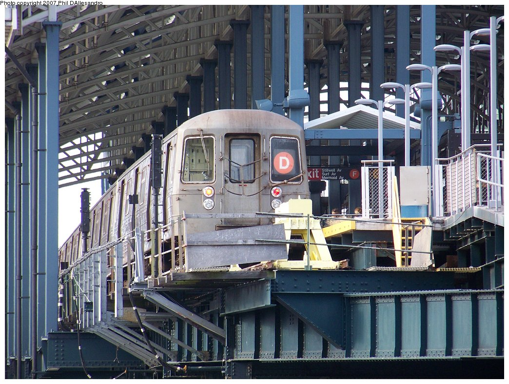 (243k, 1044x788)<br><b>Country:</b> United States<br><b>City:</b> New York<br><b>System:</b> New York City Transit<br><b>Location:</b> Coney Island/Stillwell Avenue<br><b>Route:</b> D<br><b>Car:</b> R-68 (Westinghouse-Amrail, 1986-1988)   <br><b>Photo by:</b> Philip D'Allesandro<br><b>Date:</b> 9/9/2007<br><b>Viewed (this week/total):</b> 1 / 3083