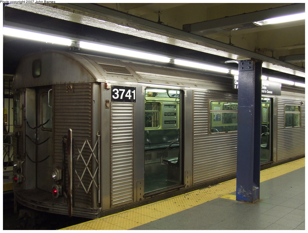 (179k, 1044x788)<br><b>Country:</b> United States<br><b>City:</b> New York<br><b>System:</b> New York City Transit<br><b>Line:</b> IND 8th Avenue Line<br><b>Location:</b> Chambers Street/World Trade Center <br><b>Route:</b> E<br><b>Car:</b> R-32 (Budd, 1964)  3741 <br><b>Photo by:</b> John Barnes<br><b>Date:</b> 9/11/2007<br><b>Viewed (this week/total):</b> 0 / 1451