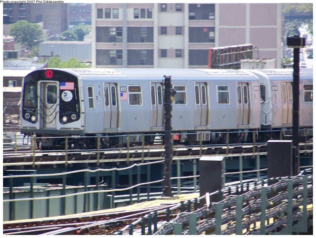 (200k, 1044x788)<br><b>Country:</b> United States<br><b>City:</b> New York<br><b>System:</b> New York City Transit<br><b>Line:</b> BMT Canarsie Line<br><b>Location:</b> Broadway Junction <br><b>Route:</b> L<br><b>Car:</b> R-160A-1 (Alstom, 2005-2008, 4 car sets)  8313 <br><b>Photo by:</b> Philip D'Allesandro<br><b>Date:</b> 9/13/2007<br><b>Viewed (this week/total):</b> 0 / 1826