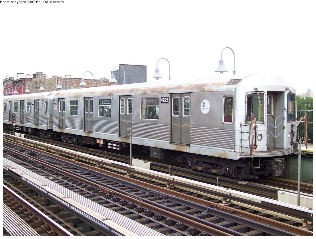 (203k, 1044x788)<br><b>Country:</b> United States<br><b>City:</b> New York<br><b>System:</b> New York City Transit<br><b>Line:</b> BMT Nassau Street/Jamaica Line<br><b>Location:</b> Marcy Avenue <br><b>Route:</b> J<br><b>Car:</b> R-42 (St. Louis, 1969-1970)  4795 <br><b>Photo by:</b> Philip D'Allesandro<br><b>Date:</b> 9/13/2007<br><b>Viewed (this week/total):</b> 0 / 1423