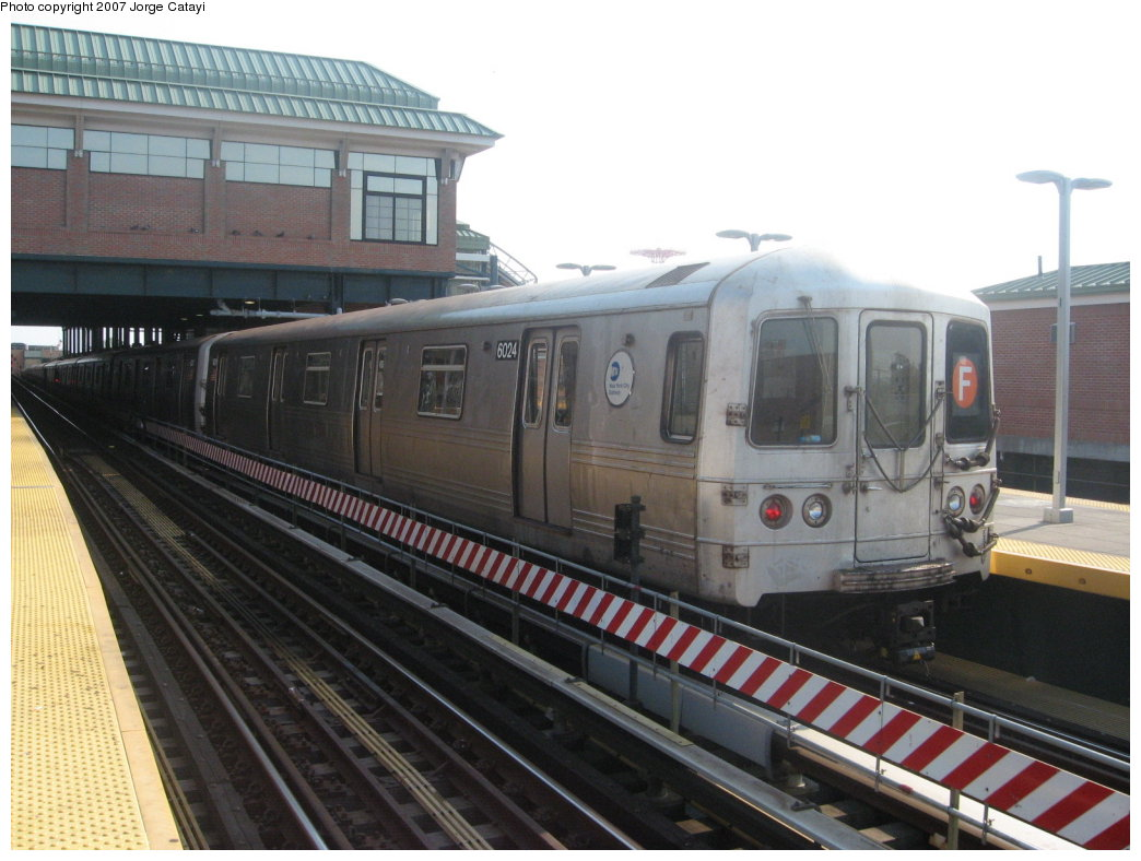 (155k, 1044x788)<br><b>Country:</b> United States<br><b>City:</b> New York<br><b>System:</b> New York City Transit<br><b>Location:</b> Coney Island/Stillwell Avenue<br><b>Route:</b> F<br><b>Car:</b> R-46 (Pullman-Standard, 1974-75) 6024 <br><b>Photo by:</b> Jorge Catayi<br><b>Date:</b> 9/8/2007<br><b>Viewed (this week/total):</b> 4 / 1209