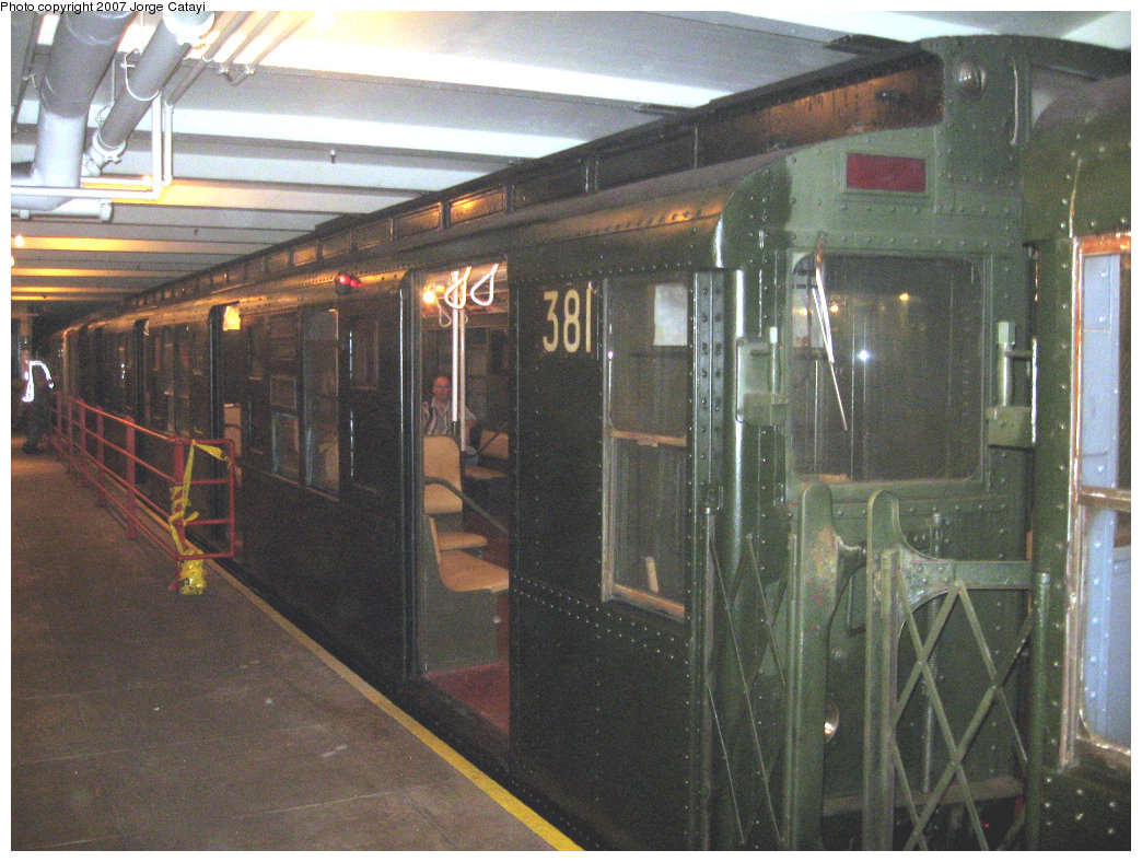 (252k, 1044x788)<br><b>Country:</b> United States<br><b>City:</b> New York<br><b>System:</b> New York City Transit<br><b>Location:</b> New York Transit Museum<br><b>Route:</b> Fan Trip<br><b>Car:</b> R-1 (American Car & Foundry, 1930-1931) 381 <br><b>Photo by:</b> Jorge Catayi<br><b>Date:</b> 9/8/2007<br><b>Viewed (this week/total):</b> 4 / 1842