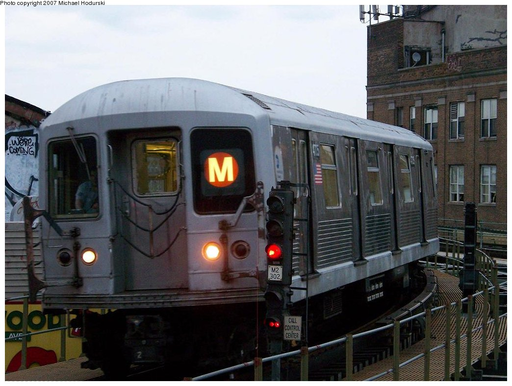 (179k, 1044x788)<br><b>Country:</b> United States<br><b>City:</b> New York<br><b>System:</b> New York City Transit<br><b>Line:</b> BMT Myrtle Avenue Line<br><b>Location:</b> Wyckoff Avenue <br><b>Route:</b> M<br><b>Car:</b> R-42 (St. Louis, 1969-1970)  4705 <br><b>Photo by:</b> Michael Hodurski<br><b>Date:</b> 9/14/2007<br><b>Viewed (this week/total):</b> 4 / 1582