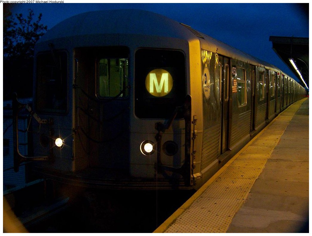 (137k, 1044x788)<br><b>Country:</b> United States<br><b>City:</b> New York<br><b>System:</b> New York City Transit<br><b>Line:</b> BMT Myrtle Avenue Line<br><b>Location:</b> Seneca Avenue <br><b>Route:</b> M<br><b>Car:</b> R-42 (St. Louis, 1969-1970)  4753 <br><b>Photo by:</b> Michael Hodurski<br><b>Date:</b> 9/14/2007<br><b>Viewed (this week/total):</b> 1 / 1233