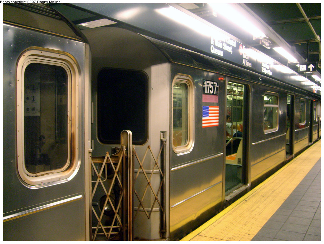 (244k, 1044x788)<br><b>Country:</b> United States<br><b>City:</b> New York<br><b>System:</b> New York City Transit<br><b>Line:</b> IRT Flushing Line<br><b>Location:</b> Times Square <br><b>Route:</b> 7<br><b>Car:</b> R-62A (Bombardier, 1984-1987)  1757 <br><b>Photo by:</b> Danny Molina<br><b>Date:</b> 9/16/2007<br><b>Viewed (this week/total):</b> 1 / 1523
