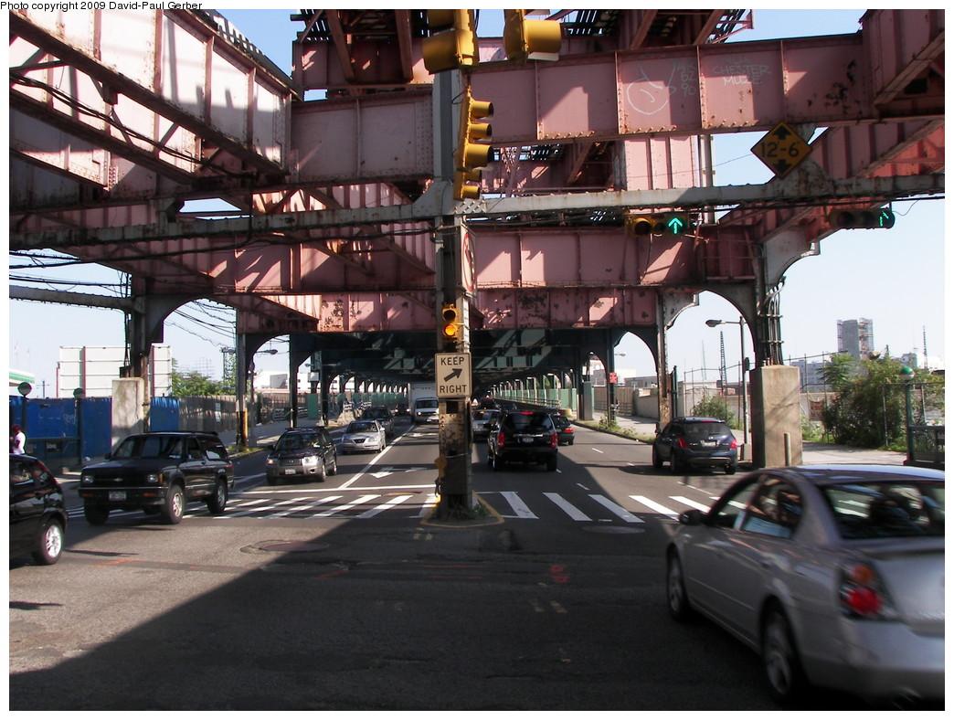 (302k, 1044x788)<br><b>Country:</b> United States<br><b>City:</b> New York<br><b>System:</b> New York City Transit<br><b>Line:</b> IRT Flushing Line<br><b>Location:</b> Queensborough Plaza <br><b>Photo by:</b> David-Paul Gerber<br><b>Date:</b> 8/1/2009<br><b>Notes:</b> Queensboro Plaza steelwork - IRT Flushing side<br><b>Viewed (this week/total):</b> 0 / 1095