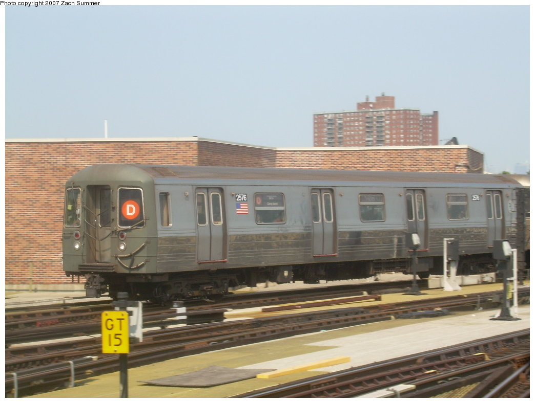 (170k, 1044x788)<br><b>Country:</b> United States<br><b>City:</b> New York<br><b>System:</b> New York City Transit<br><b>Location:</b> Coney Island/Stillwell Avenue<br><b>Route:</b> N<br><b>Car:</b> R-68 (Westinghouse-Amrail, 1986-1988)  2576 <br><b>Photo by:</b> Zach Summer<br><b>Date:</b> 9/8/2007<br><b>Viewed (this week/total):</b> 1 / 1633