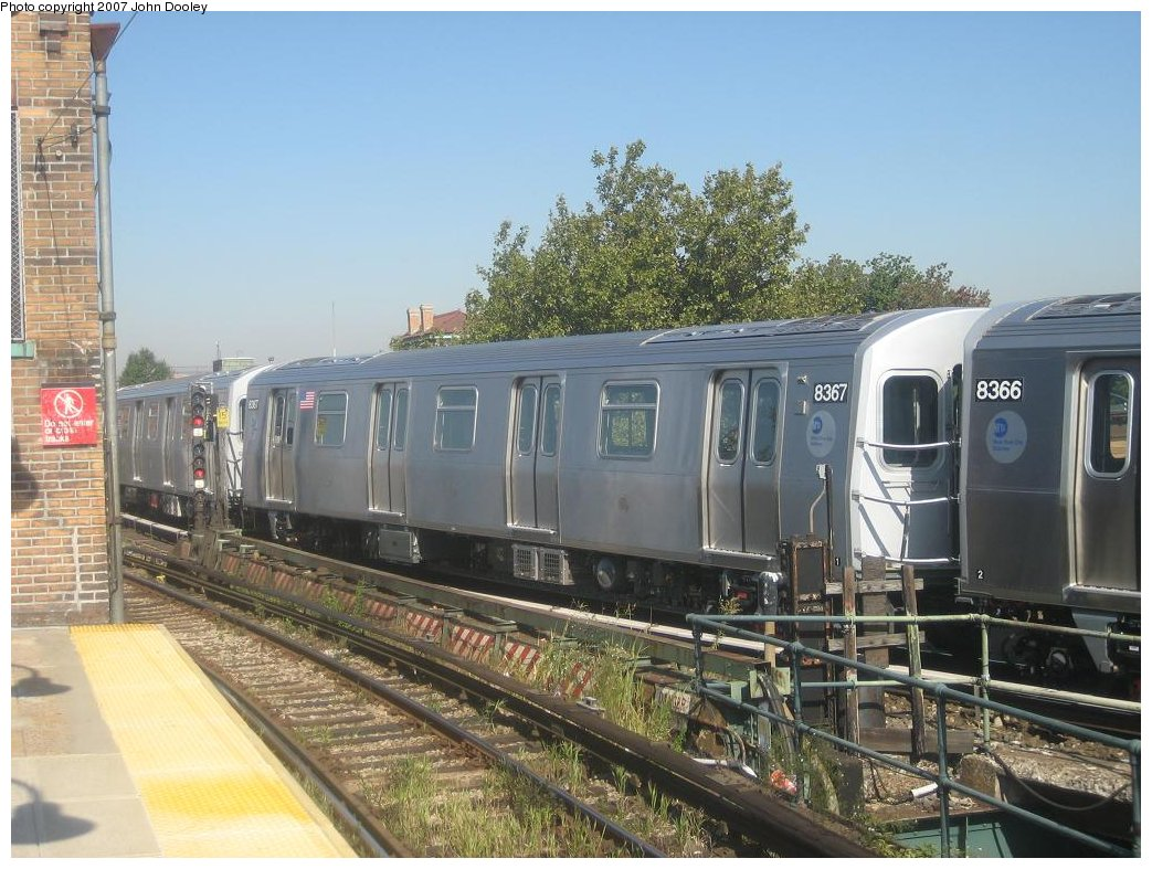 (188k, 1043x787)<br><b>Country:</b> United States<br><b>City:</b> New York<br><b>System:</b> New York City Transit<br><b>Line:</b> BMT Nassau Street/Jamaica Line<br><b>Location:</b> Broadway/East New York (Broadway Junction) <br><b>Route:</b> Z<br><b>Car:</b> R-160A-1 (Alstom, 2005-2008, 4 car sets)  8367 <br><b>Photo by:</b> John Dooley<br><b>Date:</b> 9/20/2007<br><b>Viewed (this week/total):</b> 4 / 2217