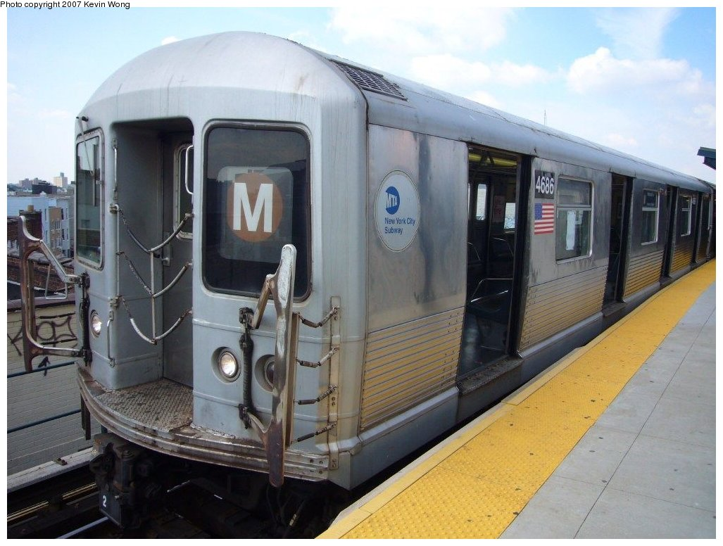 (147k, 1027x776)<br><b>Country:</b> United States<br><b>City:</b> New York<br><b>System:</b> New York City Transit<br><b>Line:</b> BMT Myrtle Avenue Line<br><b>Location:</b> Wyckoff Avenue <br><b>Route:</b> M<br><b>Car:</b> R-42 (St. Louis, 1969-1970)  4686 <br><b>Photo by:</b> Kevin Wong<br><b>Date:</b> 8/13/2007<br><b>Viewed (this week/total):</b> 0 / 1087