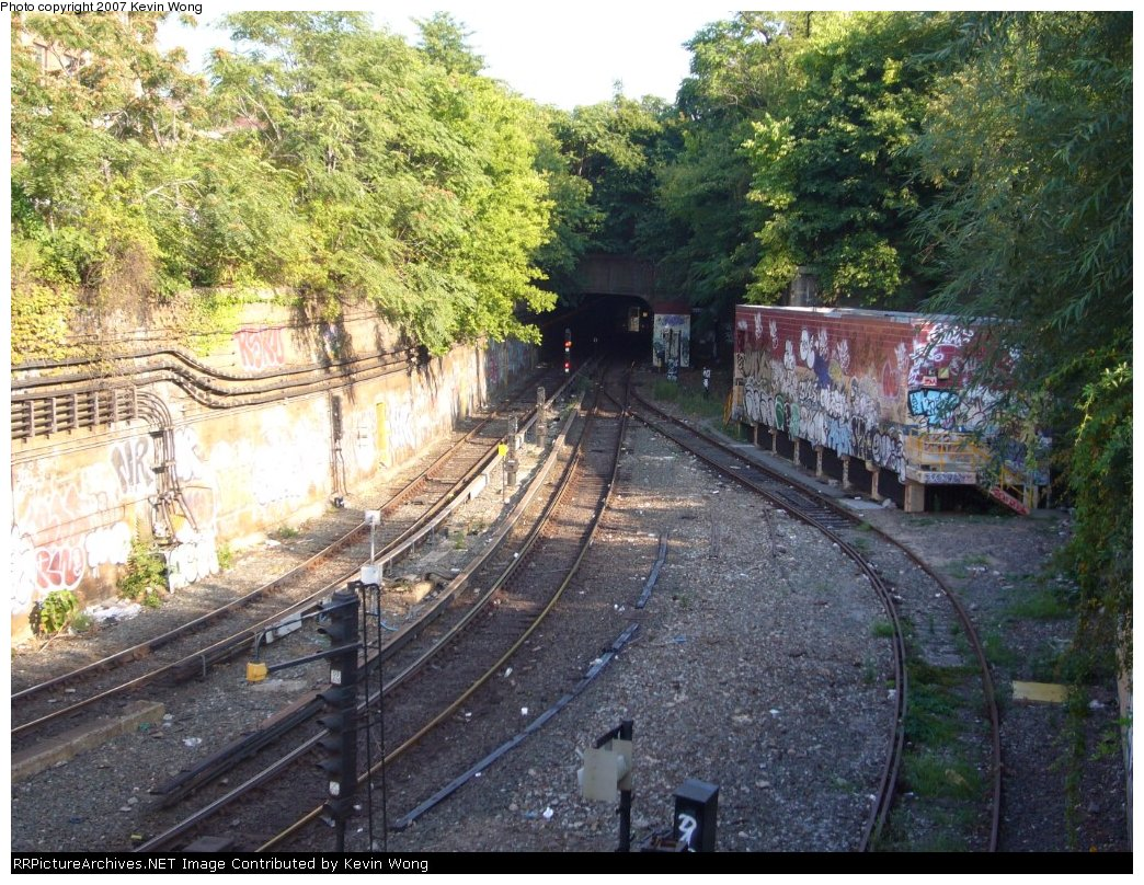(260k, 1044x808)<br><b>Country:</b> United States<br><b>City:</b> New York<br><b>System:</b> New York City Transit<br><b>Line:</b> South Brooklyn Railway<br><b>Location:</b> West End Jct (east of 4th Ave) (SBK)<br><b>Photo by:</b> Kevin Wong<br><b>Date:</b> 9/5/2007<br><b>Viewed (this week/total):</b> 3 / 995