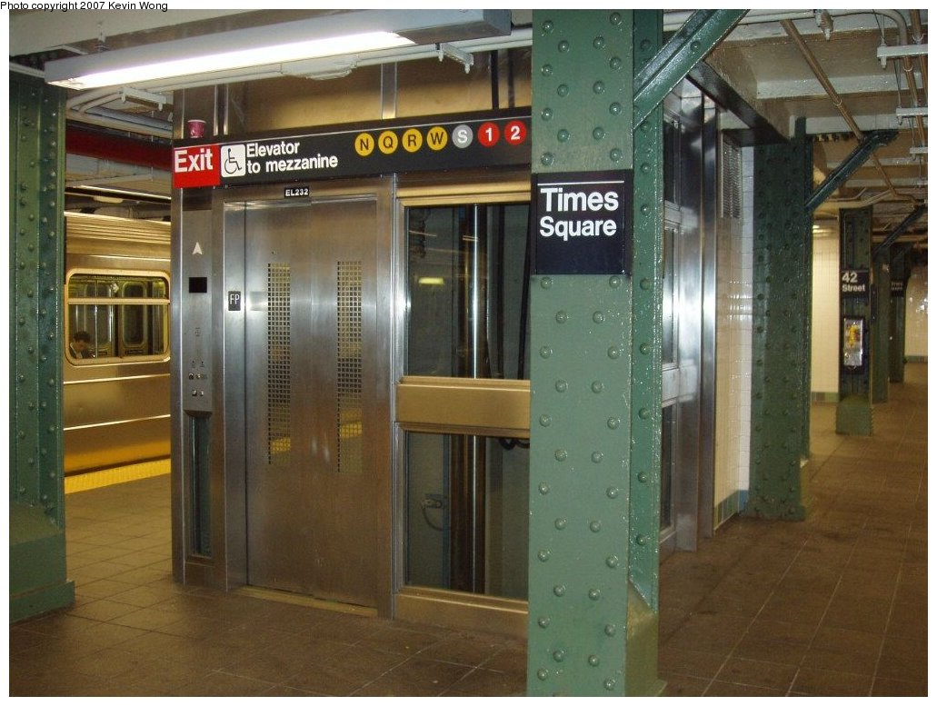 (157k, 1031x777)<br><b>Country:</b> United States<br><b>City:</b> New York<br><b>System:</b> New York City Transit<br><b>Line:</b> IRT Flushing Line<br><b>Location:</b> Times Square <br><b>Photo by:</b> Kevin Wong<br><b>Date:</b> 1/3/2007<br><b>Notes:</b> New ADA elevator at Times Square.<br><b>Viewed (this week/total):</b> 0 / 1339