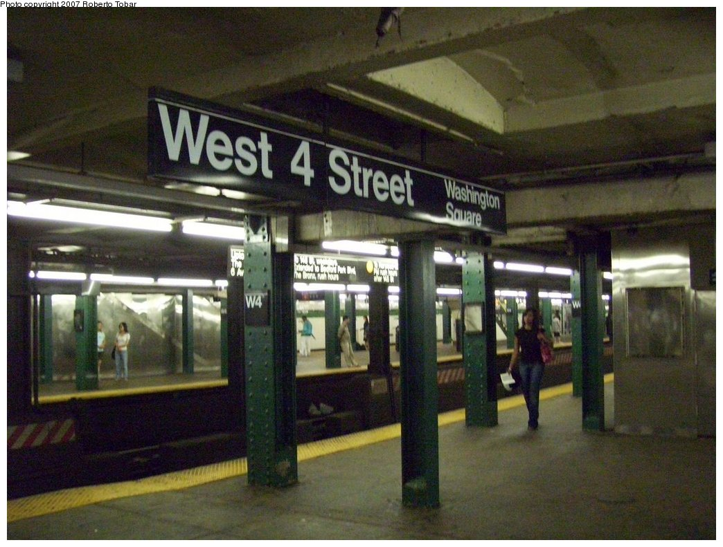 (185k, 1044x791)<br><b>Country:</b> United States<br><b>City:</b> New York<br><b>System:</b> New York City Transit<br><b>Line:</b> IND 6th Avenue Line<br><b>Location:</b> West 4th Street/Washington Square <br><b>Photo by:</b> Roberto C. Tobar<br><b>Date:</b> 9/22/2007<br><b>Notes:</b> Lower level.<br><b>Viewed (this week/total):</b> 2 / 1164