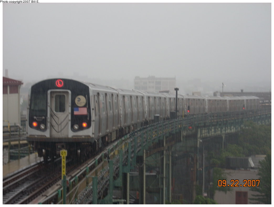 (119k, 1044x788)<br><b>Country:</b> United States<br><b>City:</b> New York<br><b>System:</b> New York City Transit<br><b>Line:</b> BMT Canarsie Line<br><b>Location:</b> Broadway Junction <br><b>Route:</b> L<br><b>Car:</b> R-143 (Kawasaki, 2001-2002)  <br><b>Photo by:</b> Bill E.<br><b>Date:</b> 9/22/2007<br><b>Viewed (this week/total):</b> 0 / 1953