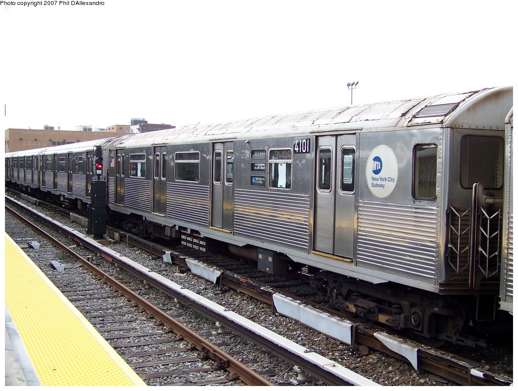 (210k, 1044x788)<br><b>Country:</b> United States<br><b>City:</b> New York<br><b>System:</b> New York City Transit<br><b>Location:</b> Rockaway Park Yard<br><b>Car:</b> R-38 (St. Louis, 1966-1967)  4101 <br><b>Photo by:</b> Philip D'Allesandro<br><b>Date:</b> 9/22/2007<br><b>Viewed (this week/total):</b> 1 / 1623