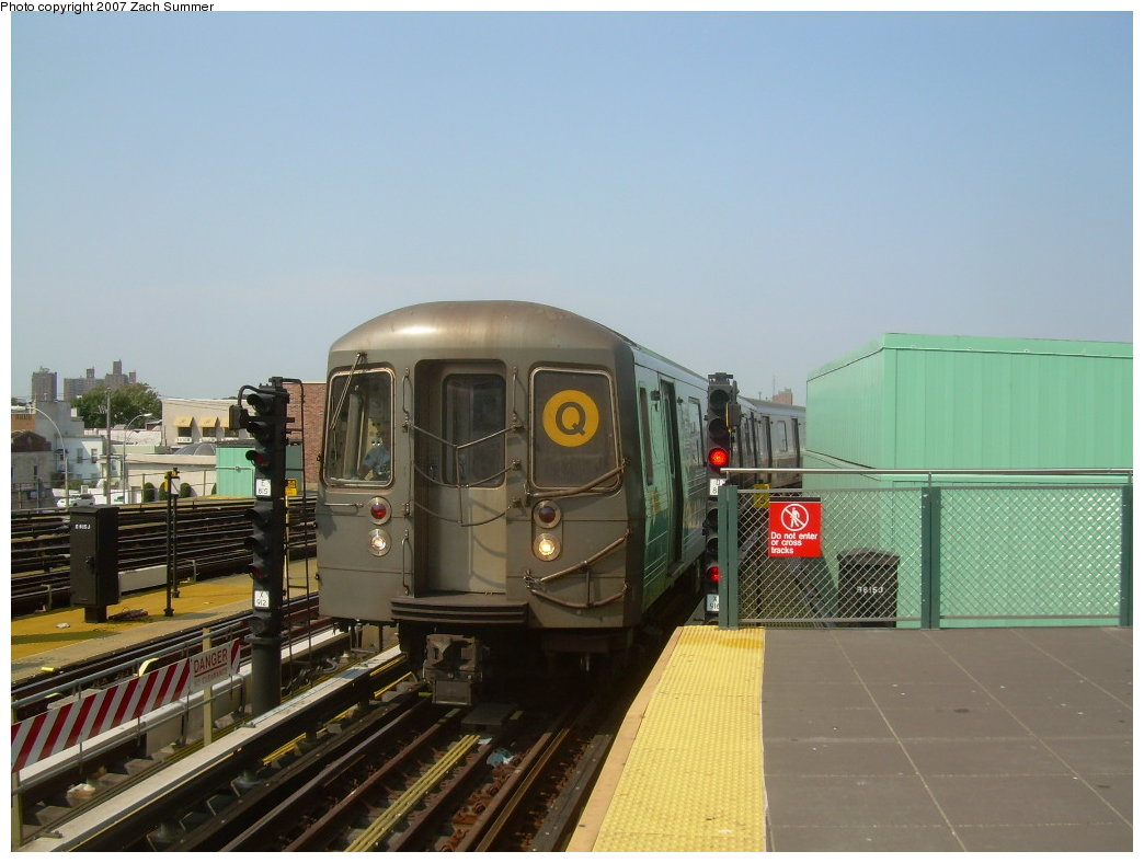 (176k, 1044x788)<br><b>Country:</b> United States<br><b>City:</b> New York<br><b>System:</b> New York City Transit<br><b>Location:</b> Coney Island/Stillwell Avenue<br><b>Route:</b> Q<br><b>Car:</b> R-68A (Kawasaki, 1988-1989)  5152 <br><b>Photo by:</b> Zach Summer<br><b>Date:</b> 9/8/2007<br><b>Viewed (this week/total):</b> 0 / 1230