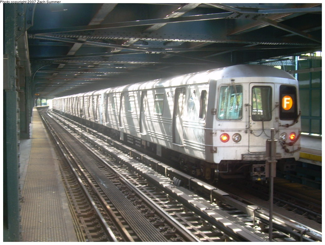 (217k, 1044x788)<br><b>Country:</b> United States<br><b>City:</b> New York<br><b>System:</b> New York City Transit<br><b>Line:</b> BMT Culver Line<br><b>Location:</b> West 8th Street <br><b>Route:</b> F<br><b>Car:</b> R-46 (Pullman-Standard, 1974-75) 5936 <br><b>Photo by:</b> Zach Summer<br><b>Date:</b> 9/9/2007<br><b>Viewed (this week/total):</b> 7 / 1363