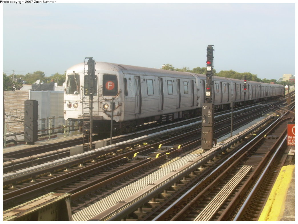 (200k, 1044x788)<br><b>Country:</b> United States<br><b>City:</b> New York<br><b>System:</b> New York City Transit<br><b>Line:</b> BMT Culver Line<br><b>Location:</b> Avenue X <br><b>Route:</b> F<br><b>Car:</b> R-46 (Pullman-Standard, 1974-75) 5996 <br><b>Photo by:</b> Zach Summer<br><b>Date:</b> 9/9/2007<br><b>Viewed (this week/total):</b> 0 / 1249