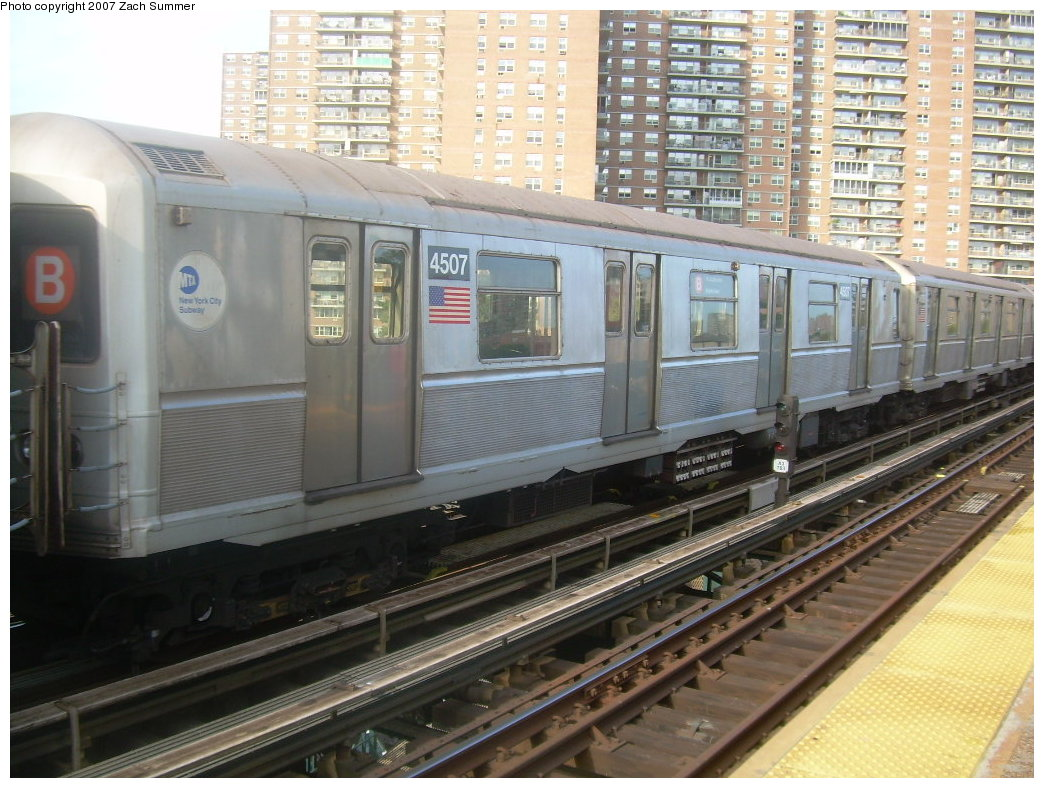 (228k, 1044x788)<br><b>Country:</b> United States<br><b>City:</b> New York<br><b>System:</b> New York City Transit<br><b>Line:</b> BMT Brighton Line<br><b>Location:</b> West 8th Street <br><b>Car:</b> R-40M (St. Louis, 1969)  4507 <br><b>Photo by:</b> Zach Summer<br><b>Date:</b> 9/9/2007<br><b>Notes:</b> Yard move.<br><b>Viewed (this week/total):</b> 0 / 934