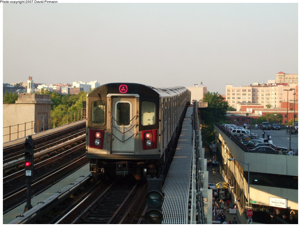 (166k, 1044x788)<br><b>Country:</b> United States<br><b>City:</b> New York<br><b>System:</b> New York City Transit<br><b>Line:</b> IRT Woodlawn Line<br><b>Location:</b> 161st Street/River Avenue (Yankee Stadium) <br><b>Route:</b> 4<br><b>Car:</b> R-142 or R-142A (Number Unknown)  <br><b>Photo by:</b> David Pirmann<br><b>Date:</b> 9/21/2007<br><b>Viewed (this week/total):</b> 3 / 1466