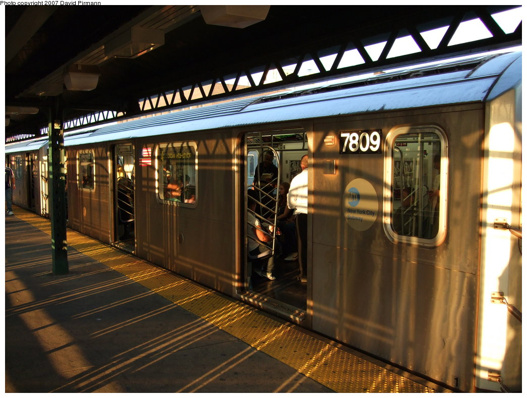 (190k, 1044x788)<br><b>Country:</b> United States<br><b>City:</b> New York<br><b>System:</b> New York City Transit<br><b>Line:</b> IRT Woodlawn Line<br><b>Location:</b> 161st Street/River Avenue (Yankee Stadium) <br><b>Route:</b> 4<br><b>Car:</b> R-142A (Supplemental Order, Kawasaki, 2003-2004)  7809 <br><b>Photo by:</b> David Pirmann<br><b>Date:</b> 9/21/2007<br><b>Viewed (this week/total):</b> 4 / 2237
