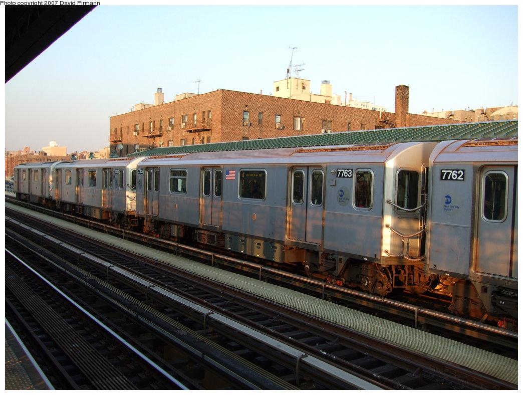 (178k, 1044x788)<br><b>Country:</b> United States<br><b>City:</b> New York<br><b>System:</b> New York City Transit<br><b>Line:</b> IRT Woodlawn Line<br><b>Location:</b> 161st Street/River Avenue (Yankee Stadium) <br><b>Route:</b> 4<br><b>Car:</b> R-142A (Supplemental Order, Kawasaki, 2003-2004)  7763 <br><b>Photo by:</b> David Pirmann<br><b>Date:</b> 9/21/2007<br><b>Viewed (this week/total):</b> 2 / 2129