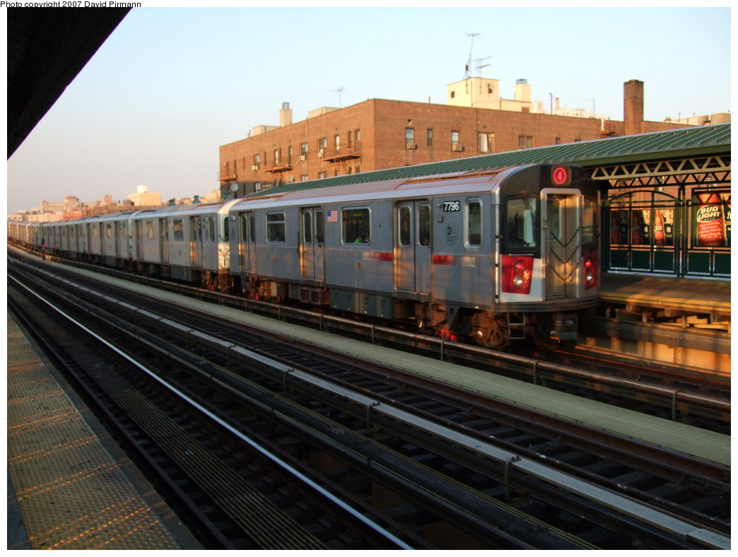 (167k, 1044x788)<br><b>Country:</b> United States<br><b>City:</b> New York<br><b>System:</b> New York City Transit<br><b>Line:</b> IRT Woodlawn Line<br><b>Location:</b> 161st Street/River Avenue (Yankee Stadium) <br><b>Route:</b> 4<br><b>Car:</b> R-142A (Supplemental Order, Kawasaki, 2003-2004)  7796 <br><b>Photo by:</b> David Pirmann<br><b>Date:</b> 9/21/2007<br><b>Viewed (this week/total):</b> 0 / 1774