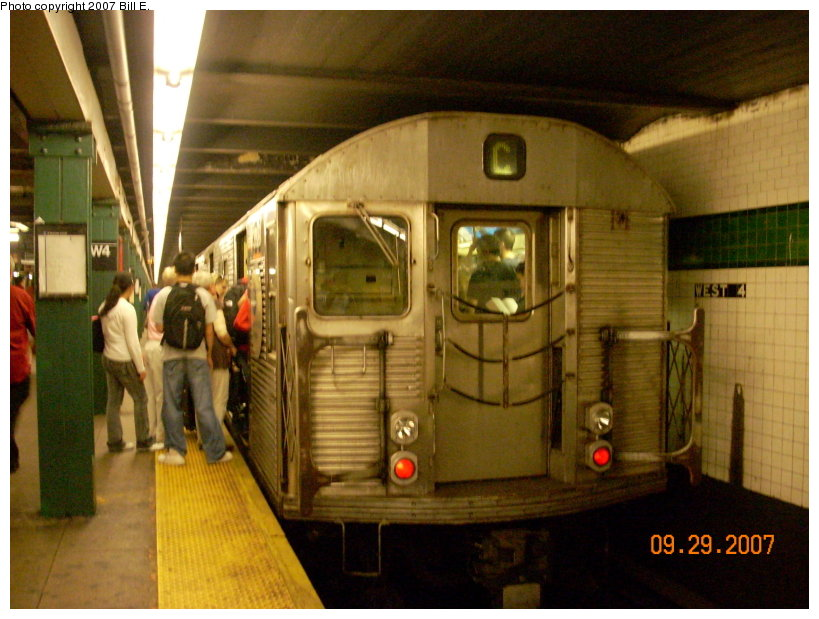 (145k, 819x619)<br><b>Country:</b> United States<br><b>City:</b> New York<br><b>System:</b> New York City Transit<br><b>Line:</b> IND 8th Avenue Line<br><b>Location:</b> West 4th Street/Washington Square <br><b>Route:</b> C<br><b>Car:</b> R-32 (Budd, 1964)   <br><b>Photo by:</b> Bill E.<br><b>Date:</b> 9/29/2007<br><b>Viewed (this week/total):</b> 0 / 1318